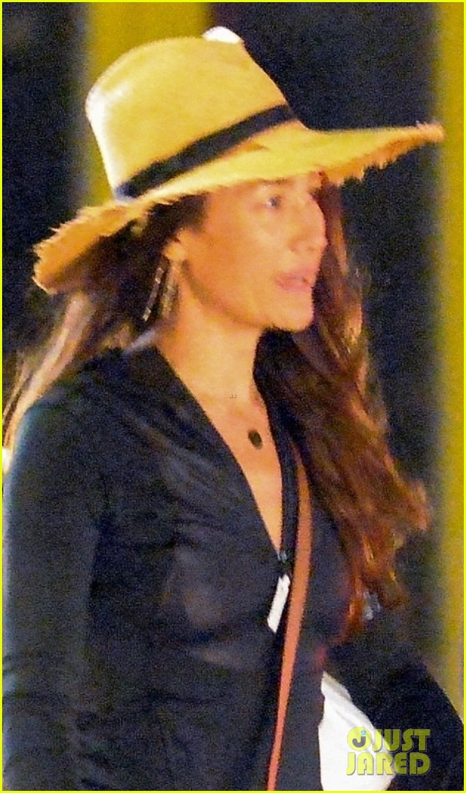 dylan mcdermott maggie q step out for late night shopping in nyc 03