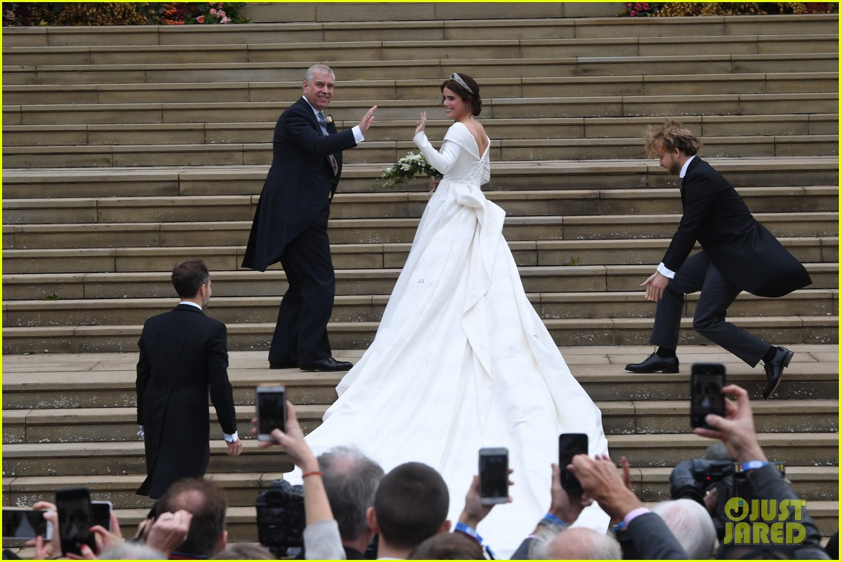 Princess Eugenie Jack Brooksbank Are Married See Wedding