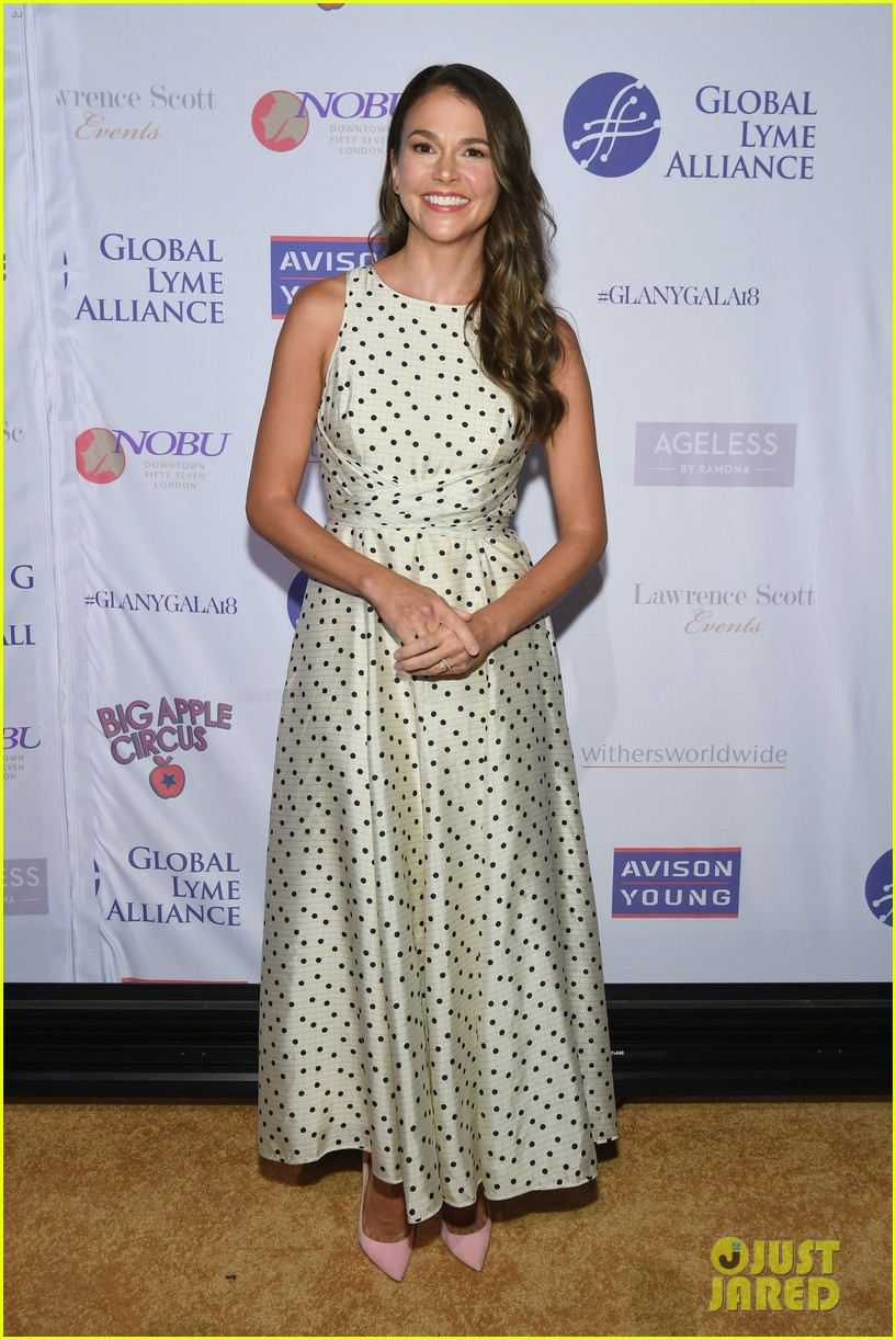 sutton foster steps out for global lyme alliance gala in nyc 014163271
