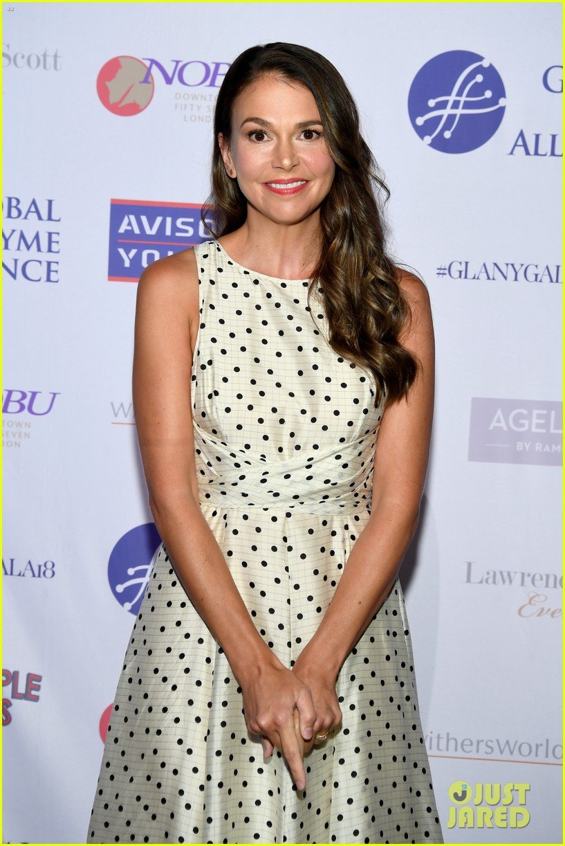 sutton foster steps out for global lyme alliance gala in nyc 044163274