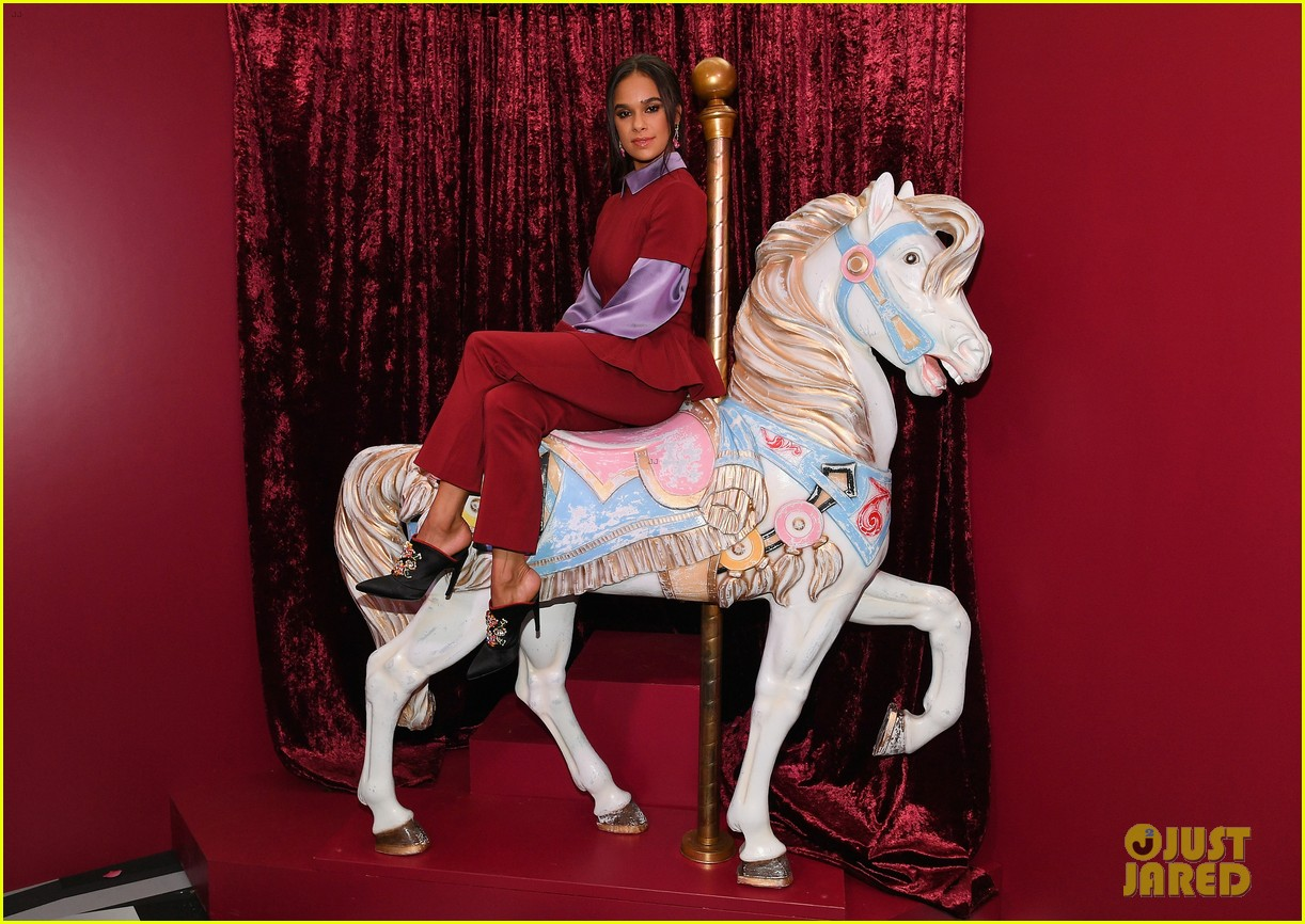 mackenzie foy and misty copeland journey into nutcracker and the four realms at nyc pop up04