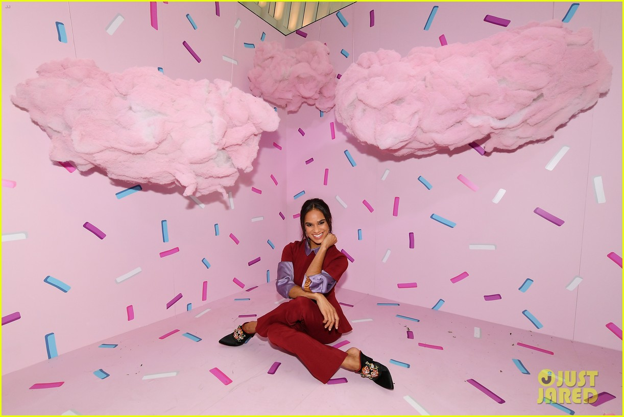 mackenzie foy and misty copeland journey into nutcracker and the four realms at nyc pop up10
