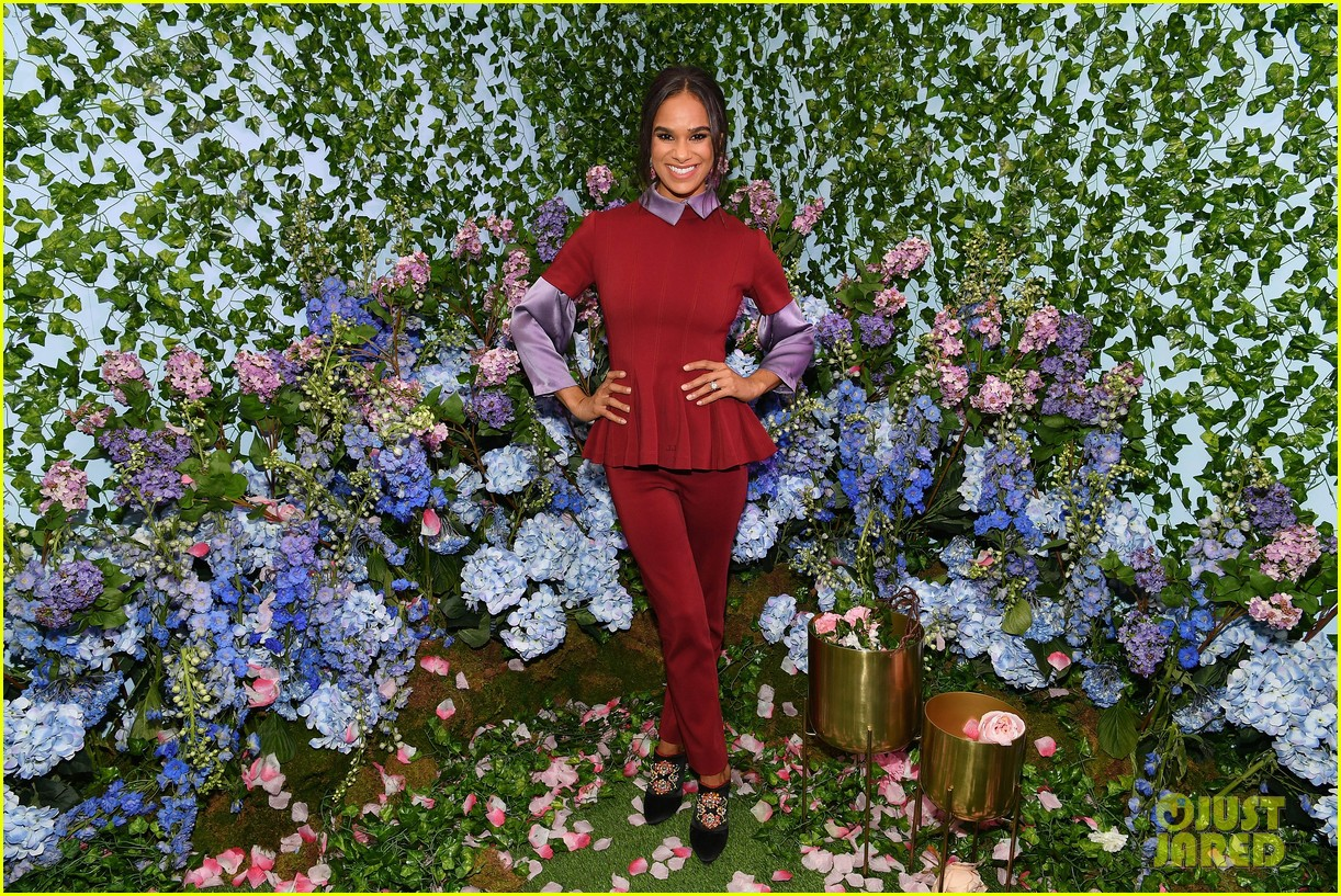 mackenzie foy and misty copeland journey into nutcracker and the four realms at nyc pop up15