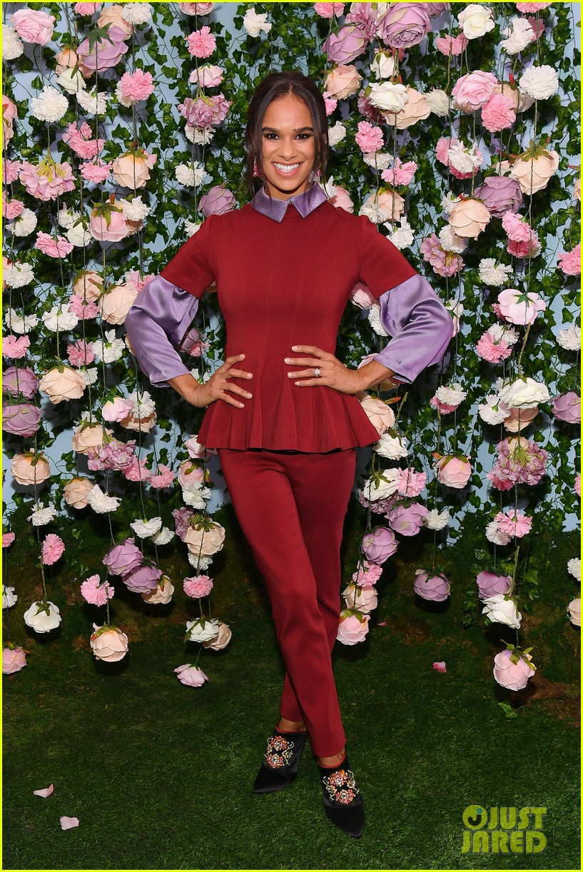 mackenzie foy and misty copeland journey into nutcracker and the four realms at nyc pop up21