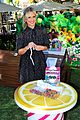 sarah michelle gellar celebrates hatchibabies arrival at the grove05