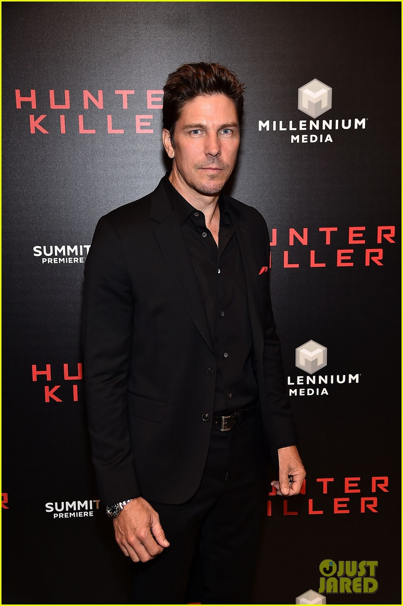 gerard butler hunter killer premiere nyc 034168876