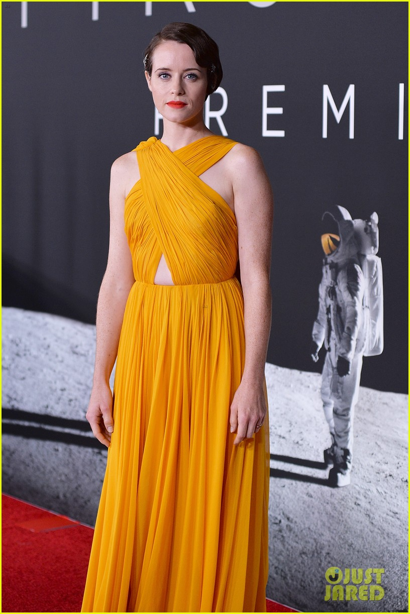 ryan gosling claire foy first man dc premiere 024158831