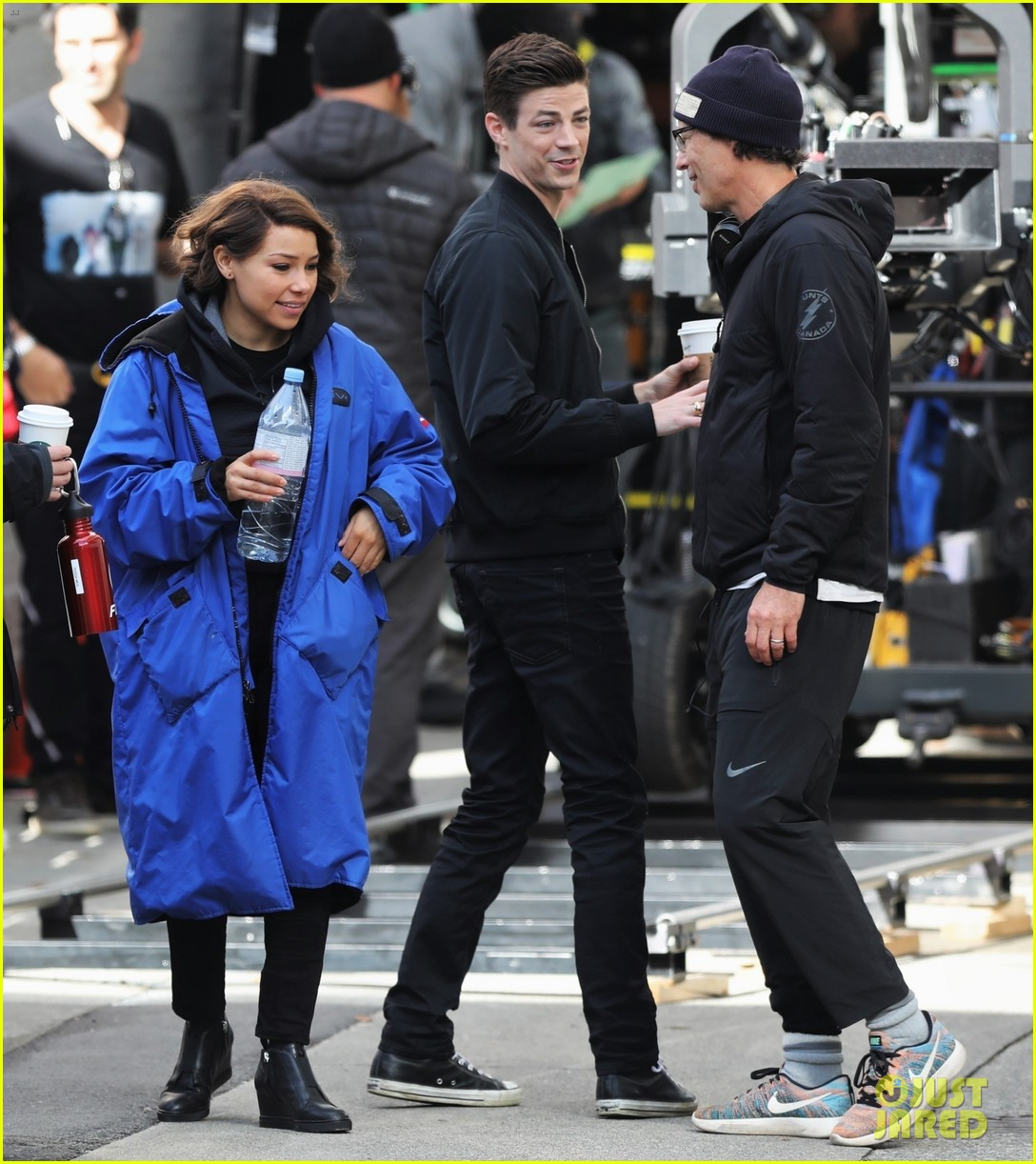 grant gustin jessica parker kennedy flash filming 014158175