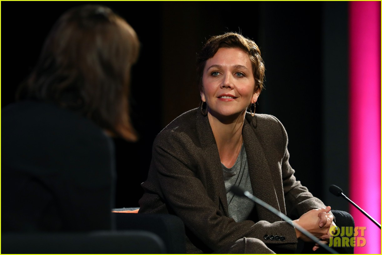 maggie gyllenhaal says the kindergarten teachers tight budget involved getting totally naked 024167204