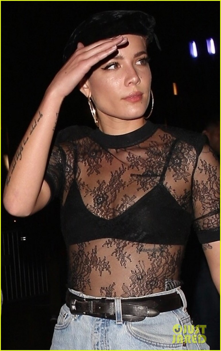 halsey steps out for aubrey the three amigos tour 044164446