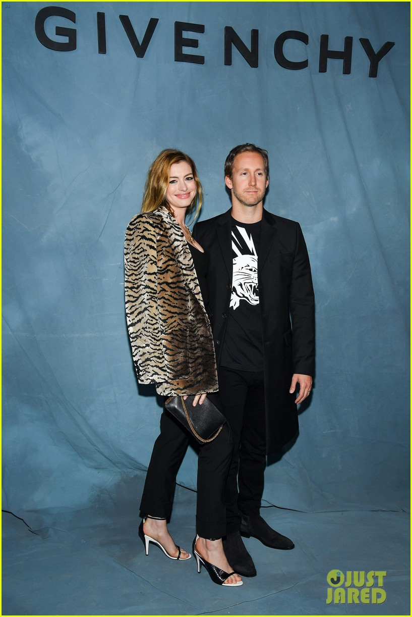 anne hathaway adam shulman couple up at star studded givenchy paris 044156715