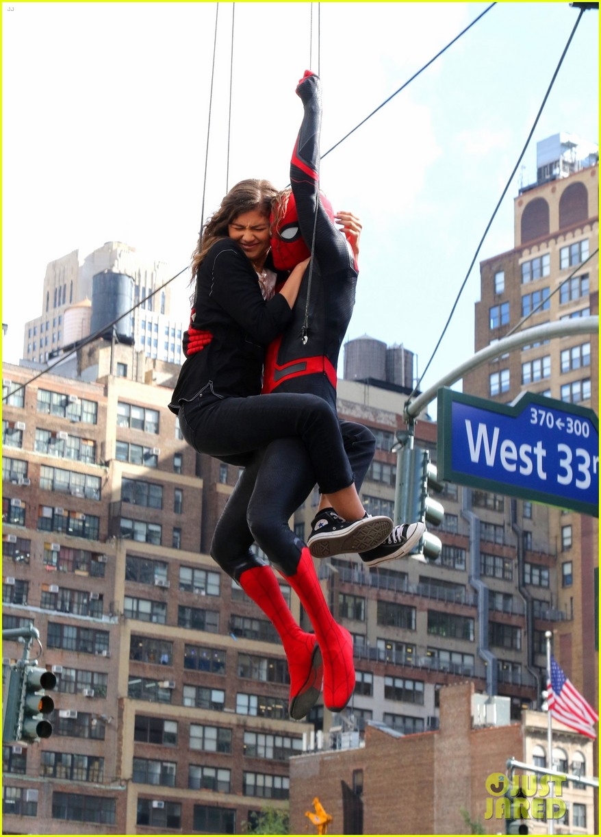 tom holland dons spider man far from home costume while filming with zendaya in nyc2044163885