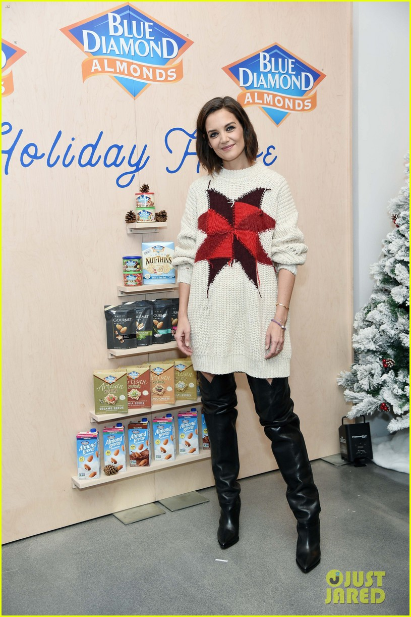 katie holmes steps out to support blue diamond almonds holiday house 024162928