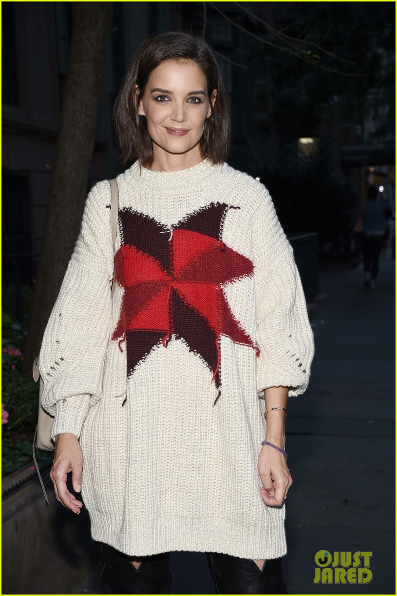katie holmes steps out to support blue diamond almonds holiday house 054162931
