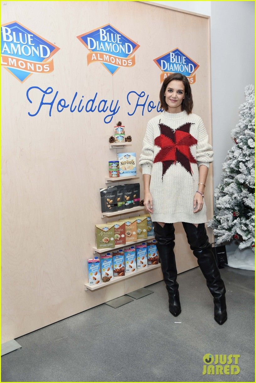 katie holmes steps out to support blue diamond almonds holiday house 104162936