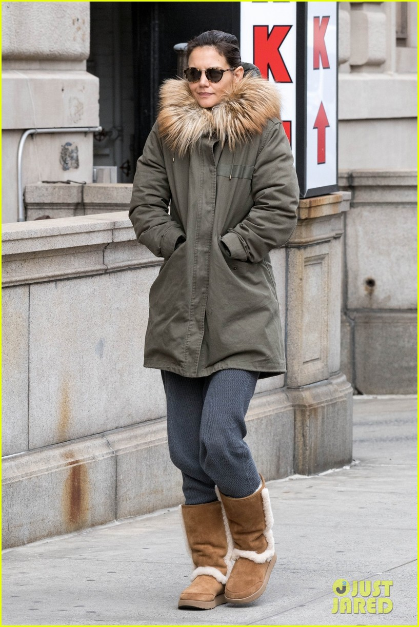 katie holmes bundles up to run errands in nyc 034171475