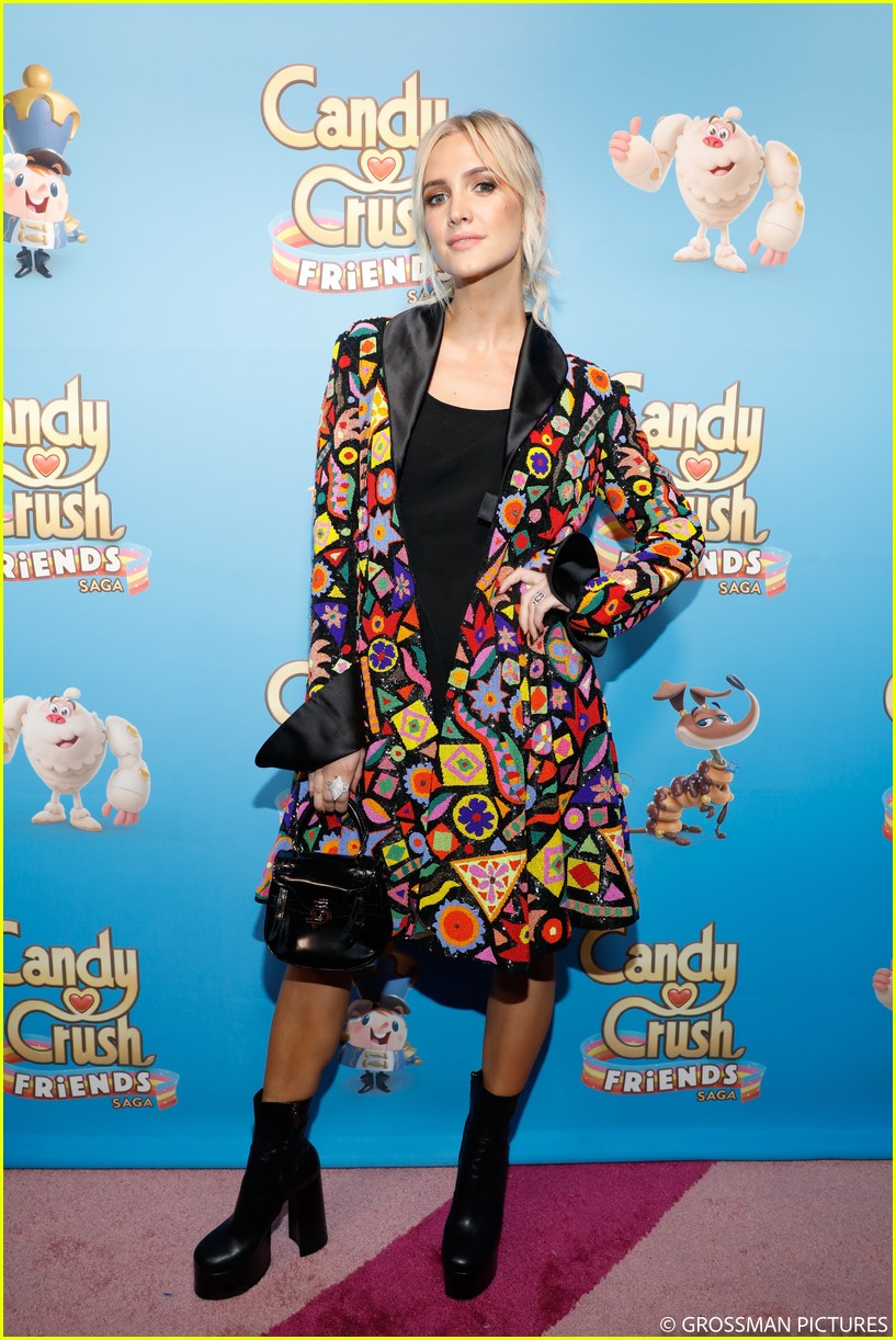 vanessa hudgens chloe moretz candy crush event 254163359