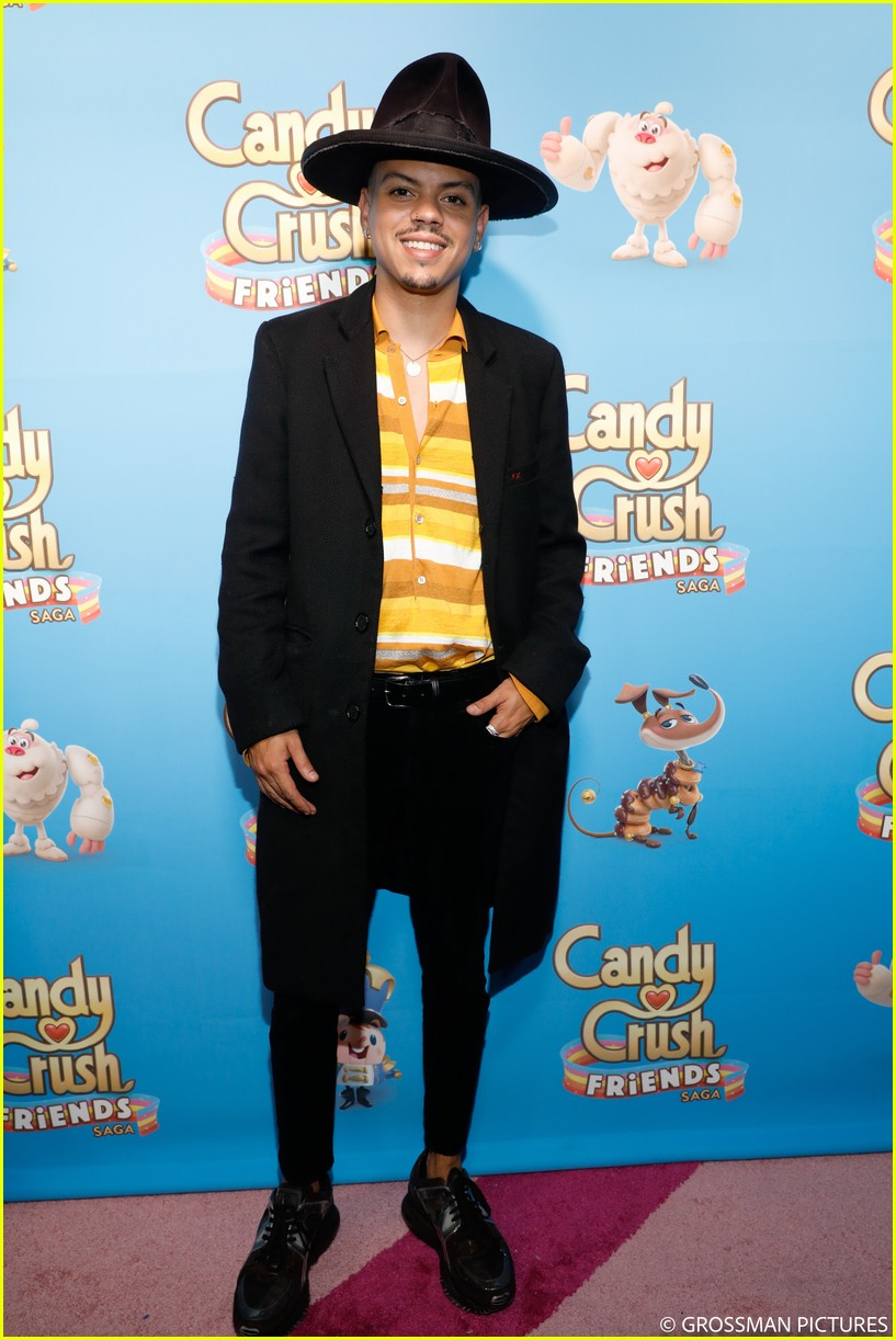 vanessa hudgens chloe moretz candy crush event 274163361