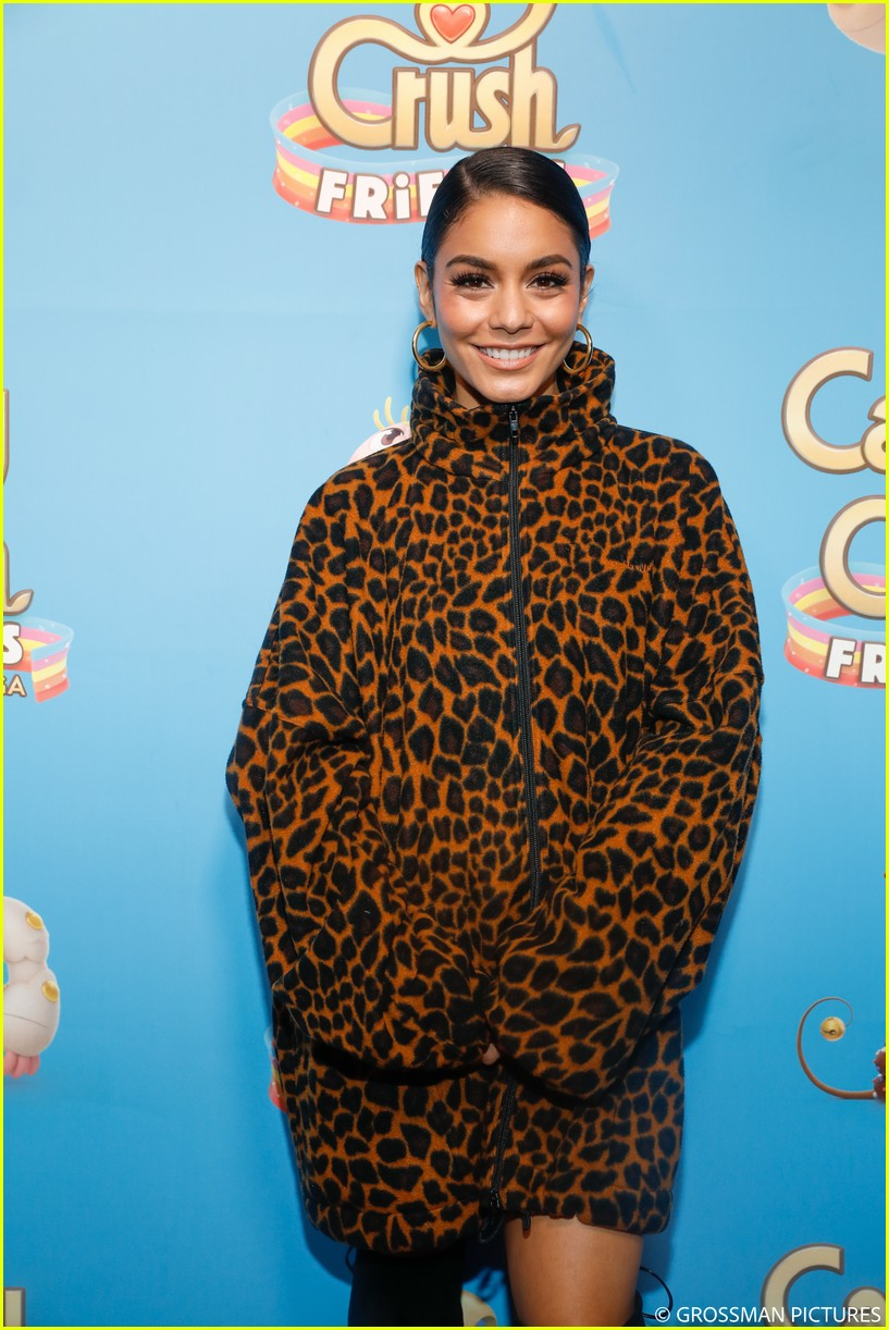 vanessa hudgens chloe moretz candy crush event 314163365