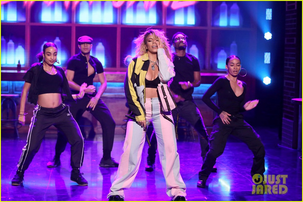 dinah jane gives solo debut performance of bottled up on tonight show 024161467