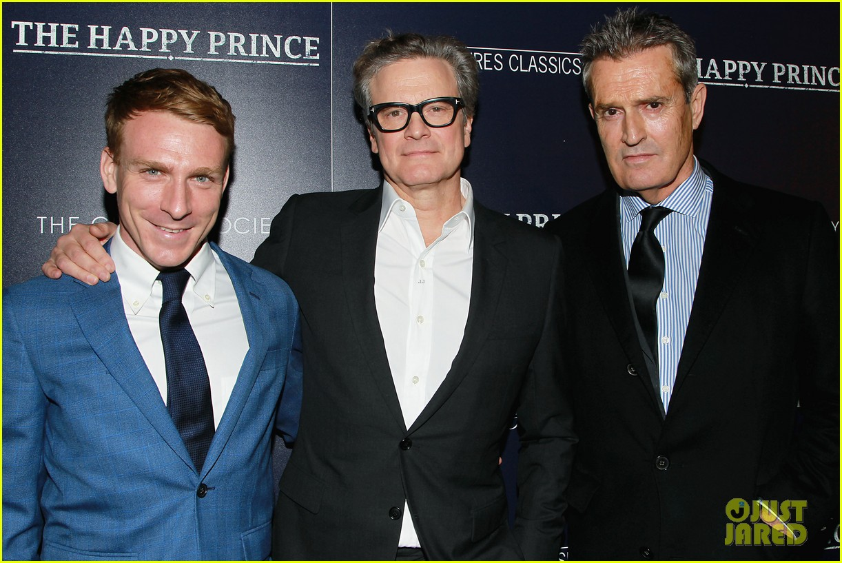 julianne mmore supports colin firth happy prince 13