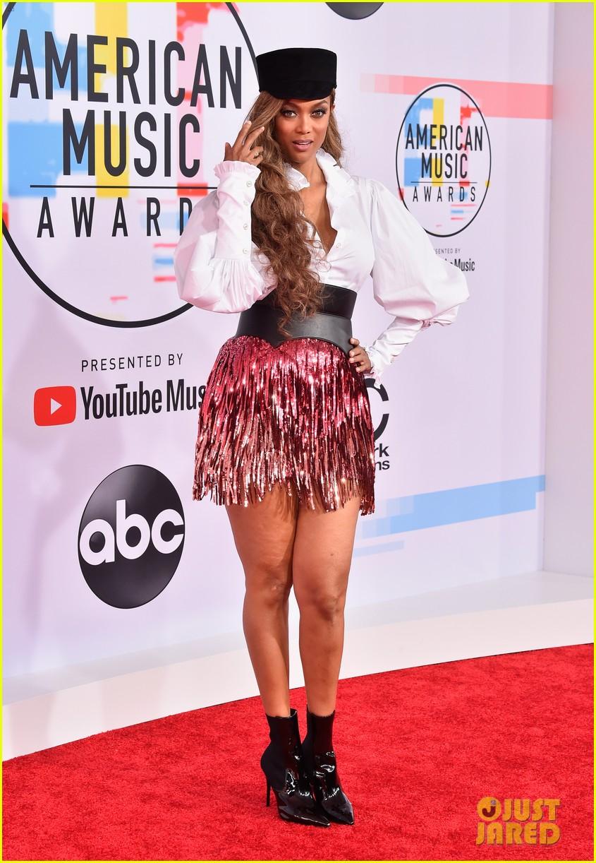 heidi klum tyra banks american music awards 2018 05