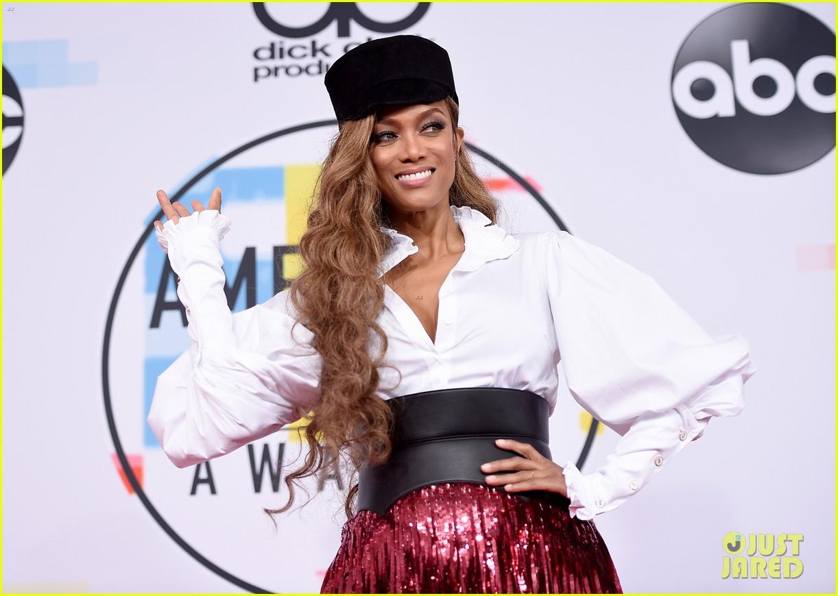heidi klum tyra banks american music awards 2018 09