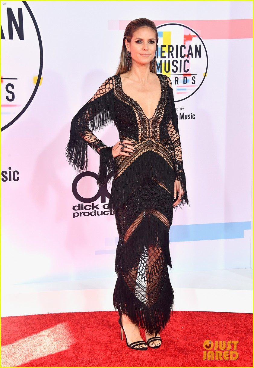 heidi klum tyra banks american music awards 2018 16