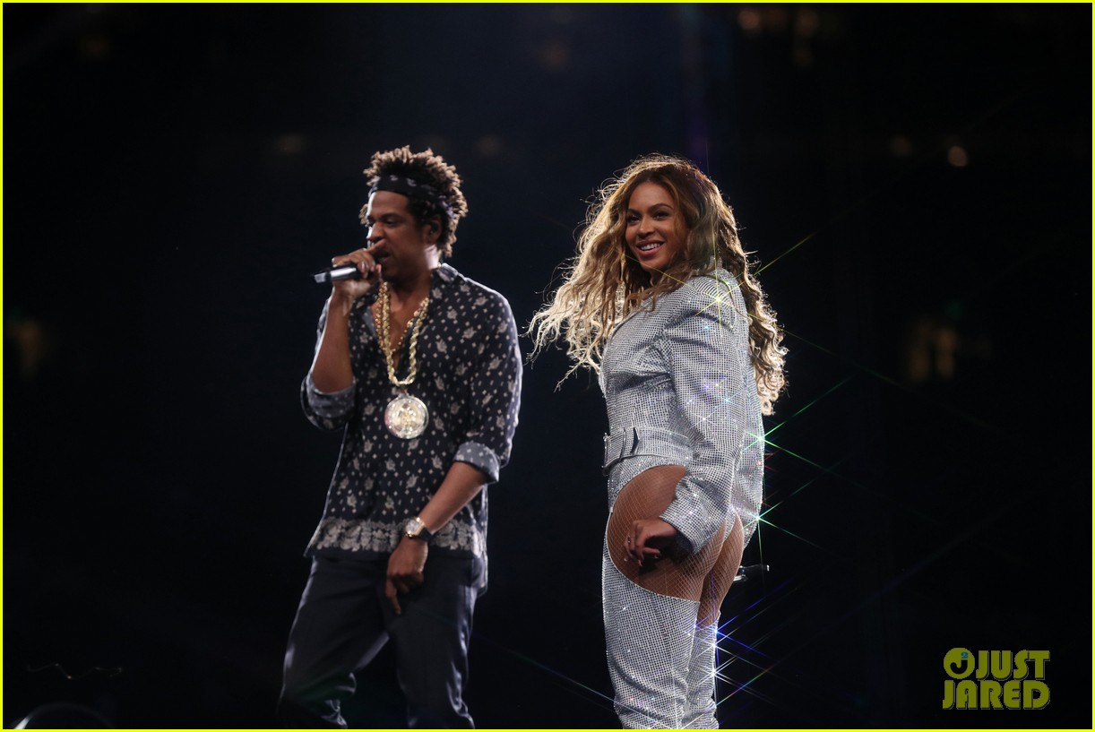 beyonce jay z complete on the run ii tour across europe north america 044161283