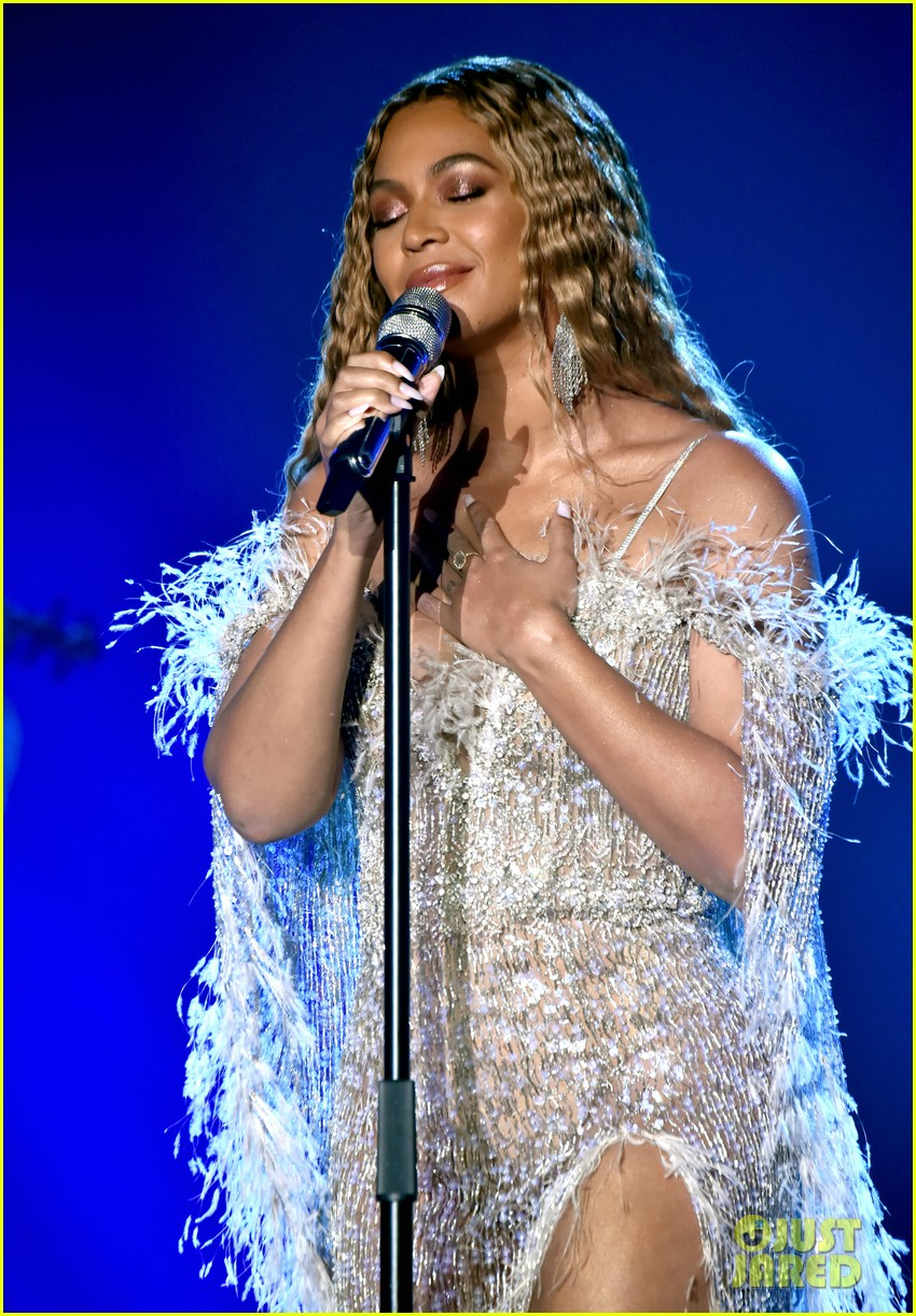 beyonce jay z hit the stage at city of hopes spirit of life gala 034163699