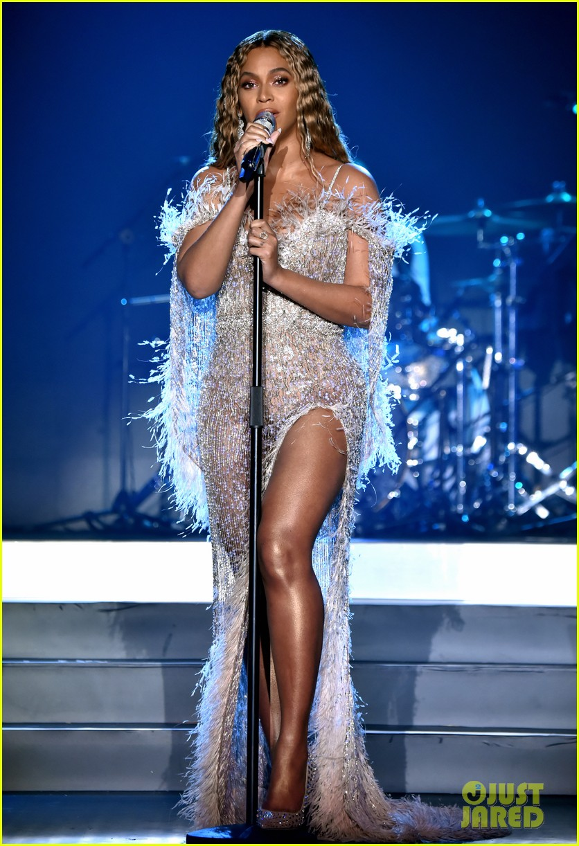 beyonce jay z hit the stage at city of hopes spirit of life gala 044163700