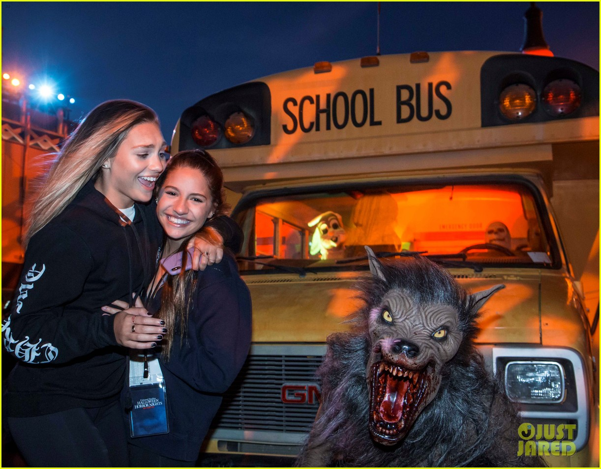 dua lipa derek julianne hough check out universal studios hollywoods halloween horror nights 014156843