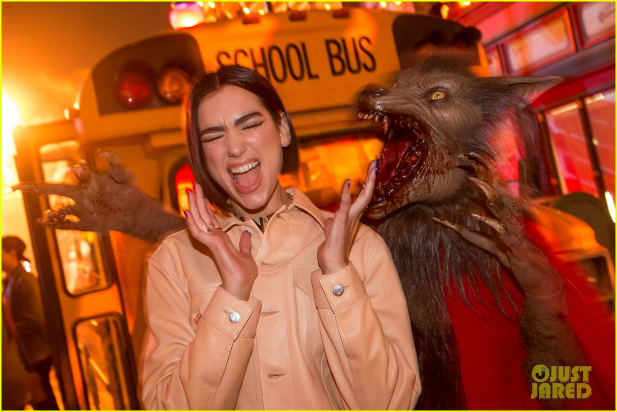 dua lipa derek julianne hough check out universal studios hollywoods halloween horror nights 024156844