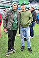 justin long and billy magnussen team up for new york jets football game05