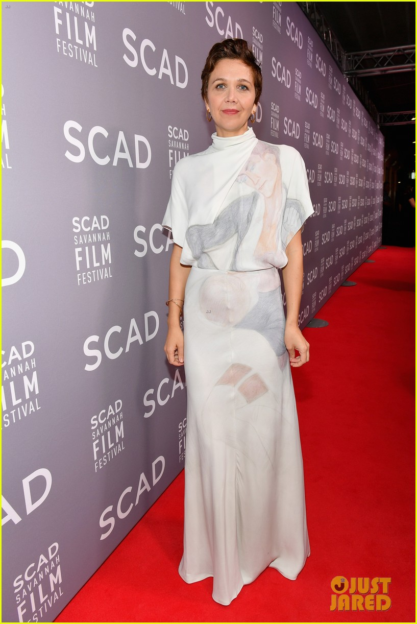 maggie gyllenhaal emily blunt john krasinski savannah film festival awards 014171426