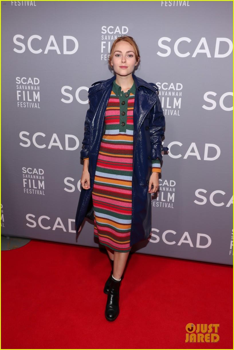 maggie gyllenhaal emily blunt john krasinski savannah film festival awards 034171428