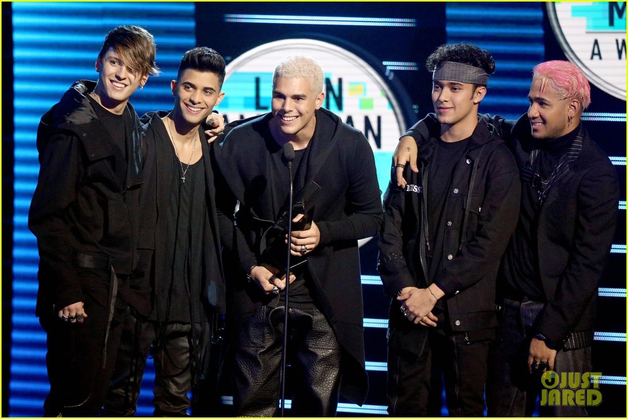 becky g maluma more win big at latin american music awards 014170785