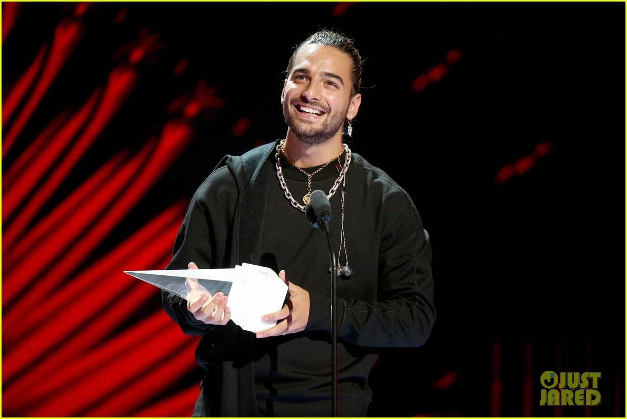 becky g maluma more win big at latin american music awards 034170787