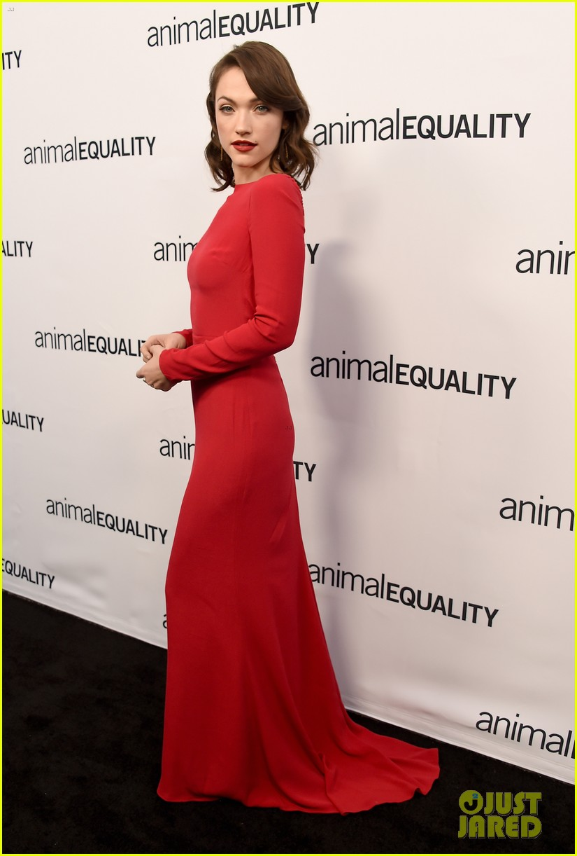 kate rooney mara step out for animal equality gala 07