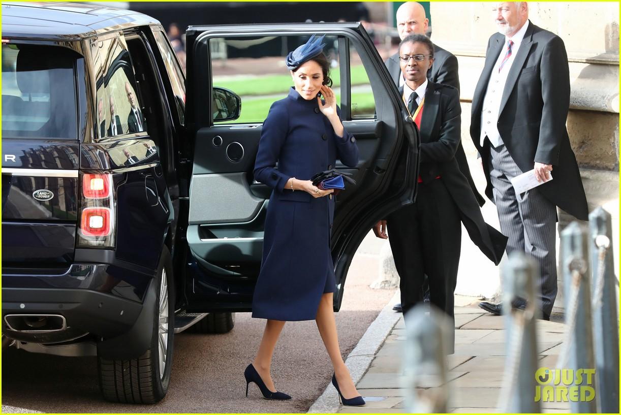 prince harry meghan markle at princess eugenie wedding 054163603