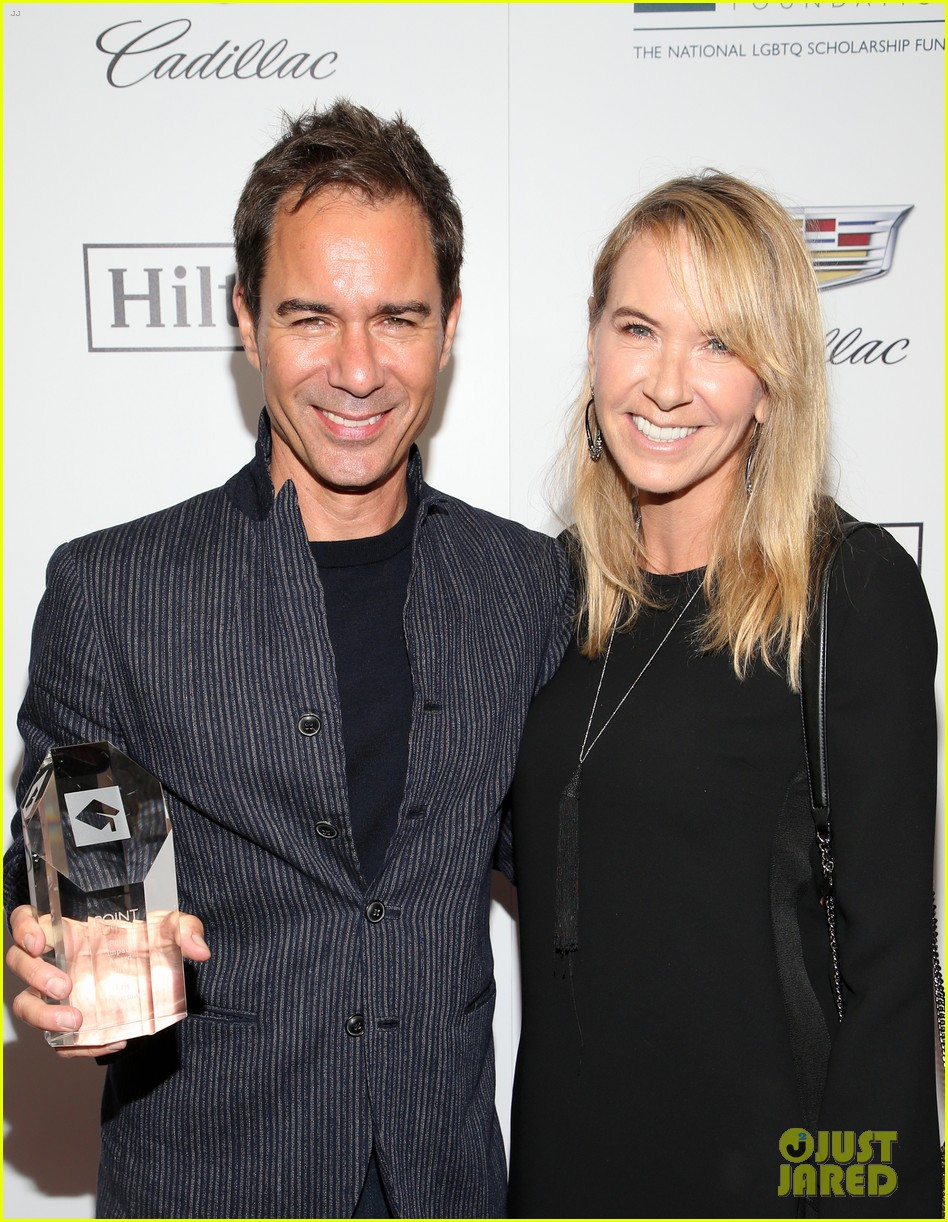 eric mccormack scores honor at point honors los angeles 2018 014165019