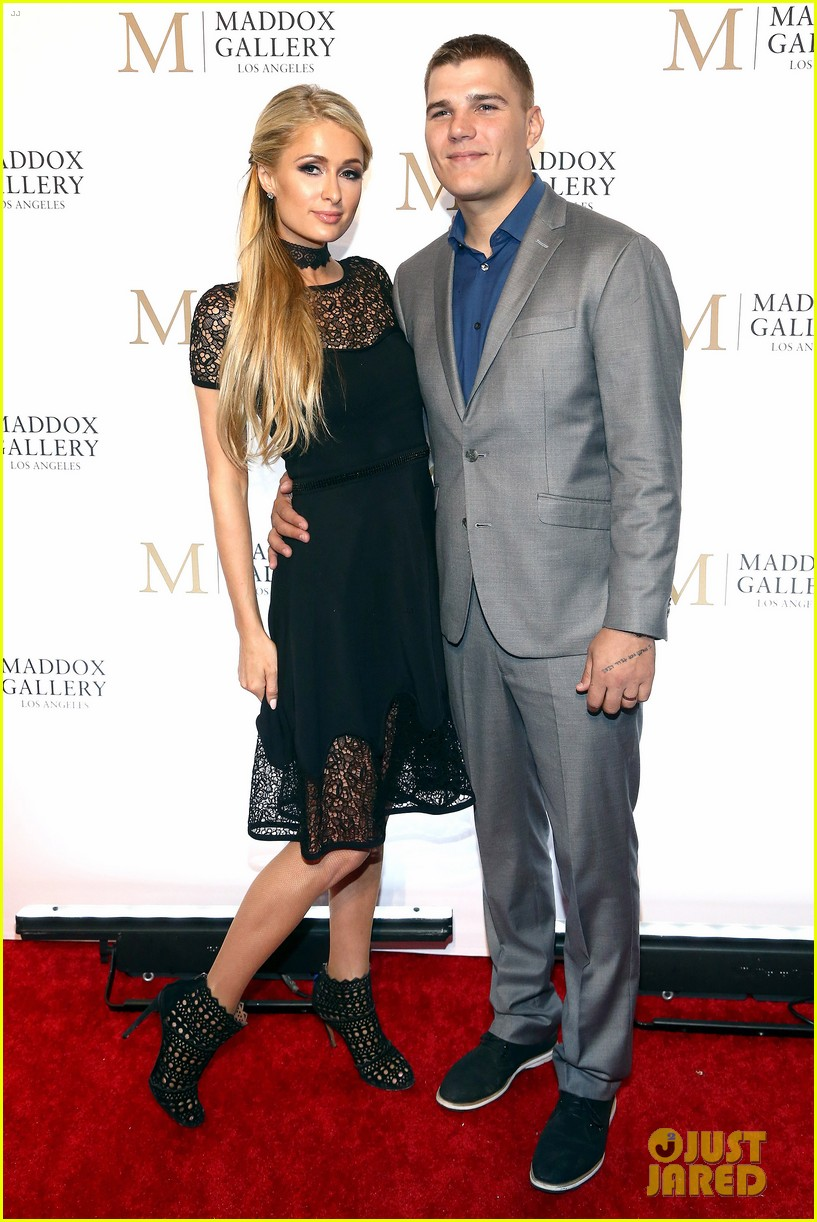 jonathan rhys meyers wife mara couple up for maddox gallery grand opening 08