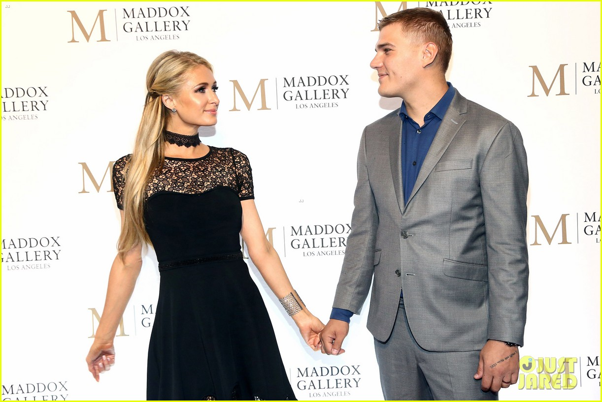 jonathan rhys meyers wife mara couple up for maddox gallery grand opening 18