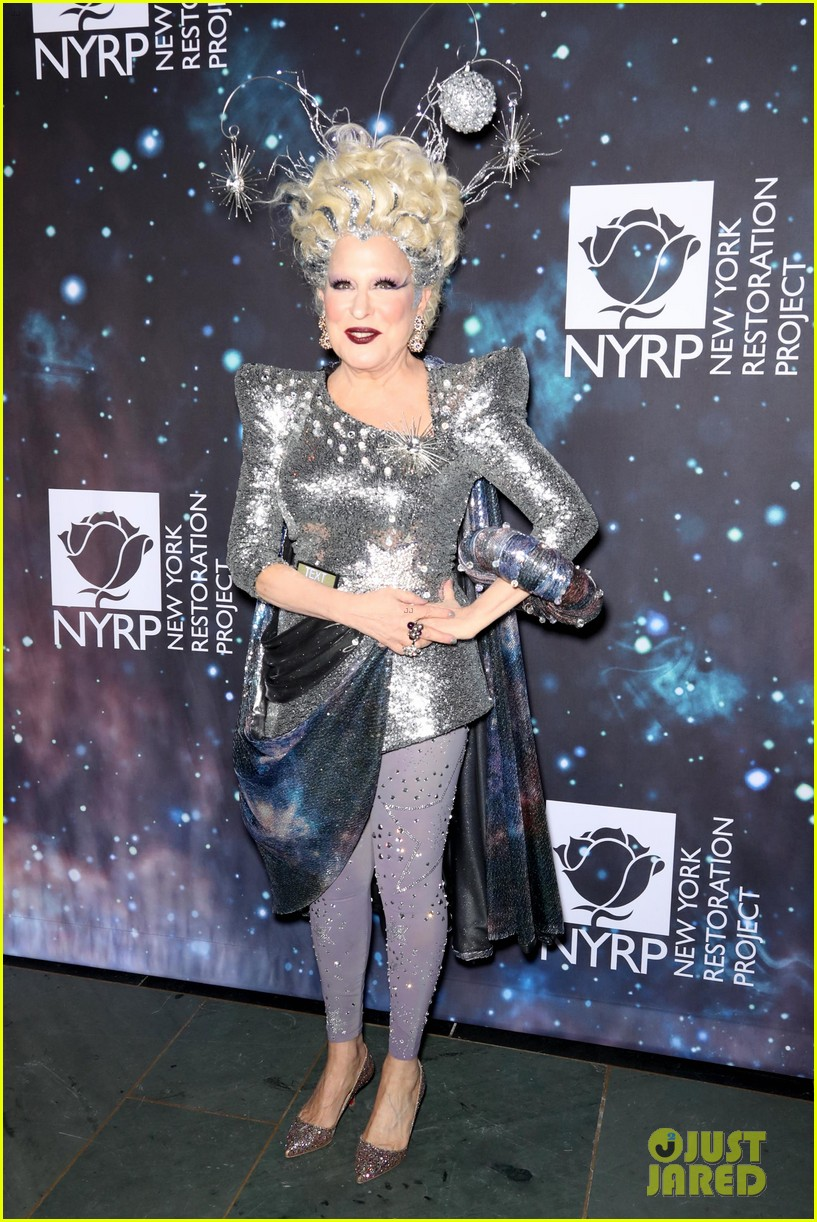 bette midler hosts cosmic themed halloween bash for new york restoration project 224173156