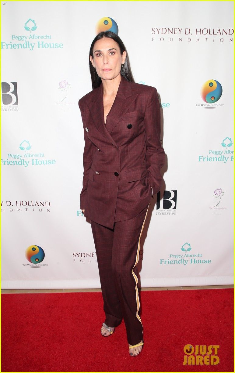 demi moore woman of the year peggy albrecht friendly house awards 094171356