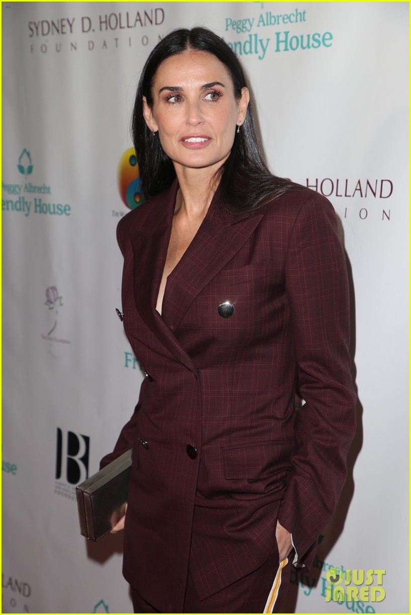 demi moore woman of the year peggy albrecht friendly house awards 124171359