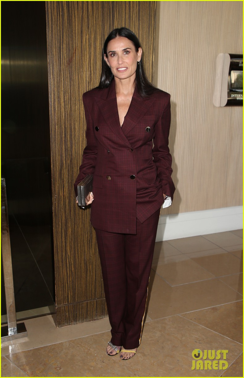 demi moore woman of the year peggy albrecht friendly house awards 144171361