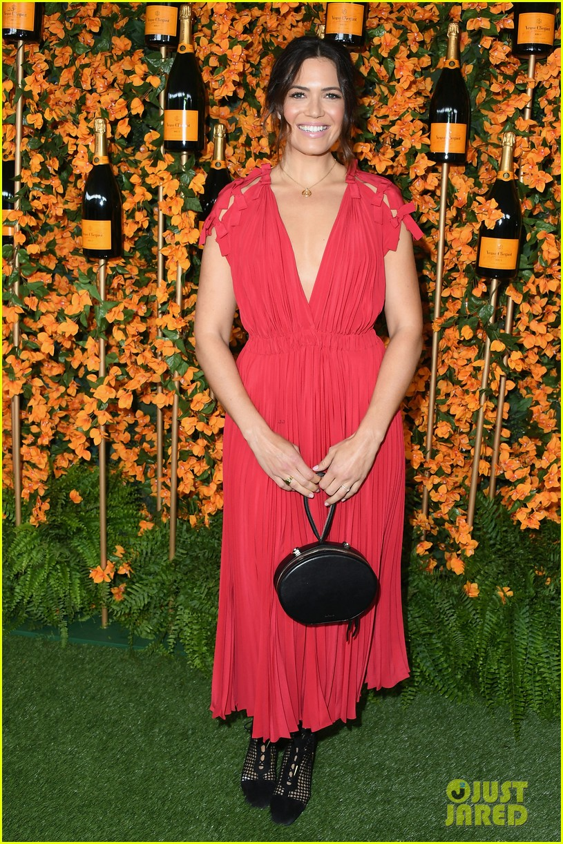 mandy moore kaley cuoco step out for veuve clicquot polo classic 014159992