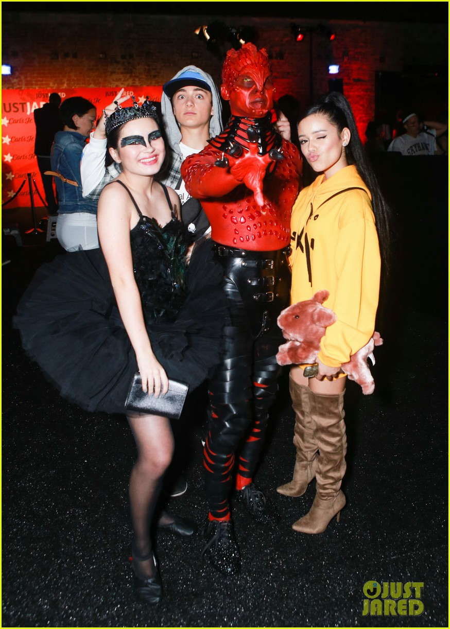 Just Jared Halloween Party 2020 Jenna Ortega & Asher Angel Dress as Ariana Grande & Pete Davidson