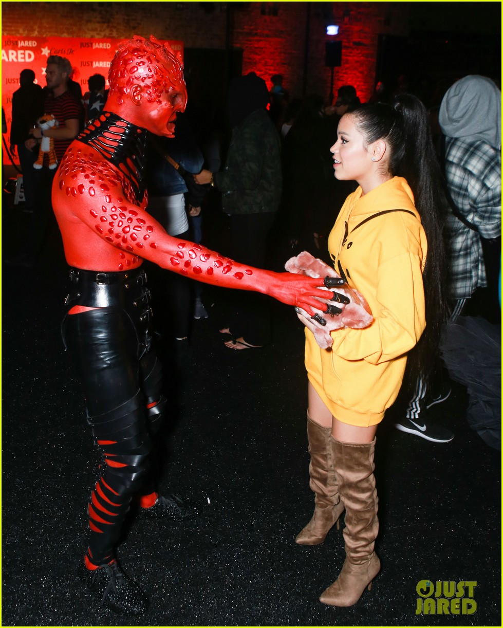 Ariana Grande Halloween Costume 2019.Jenna Ortega Asher Angel Dress As Ariana Grande Pete Davidson At